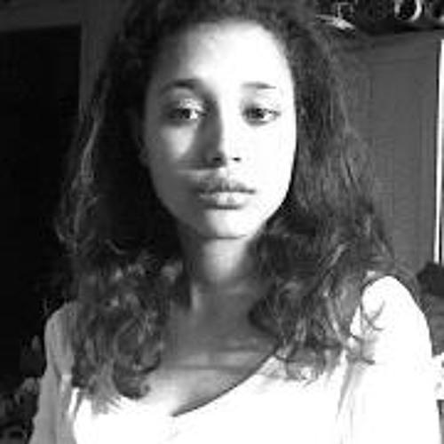 Amina Ru's avatar