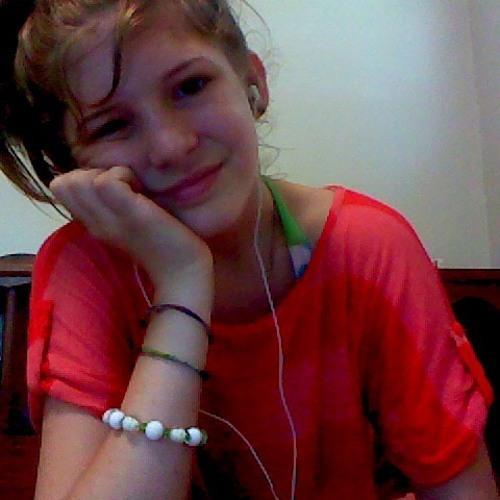 Alexis Renee's avatar