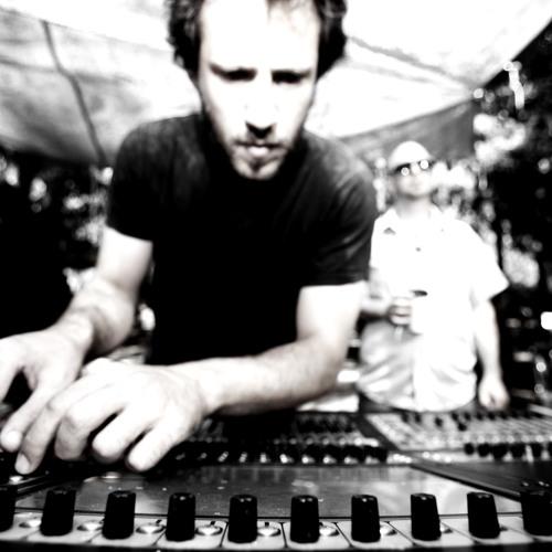 Riff Cohen -  Meshoch - Masa Beikvot Halev Soundtrack