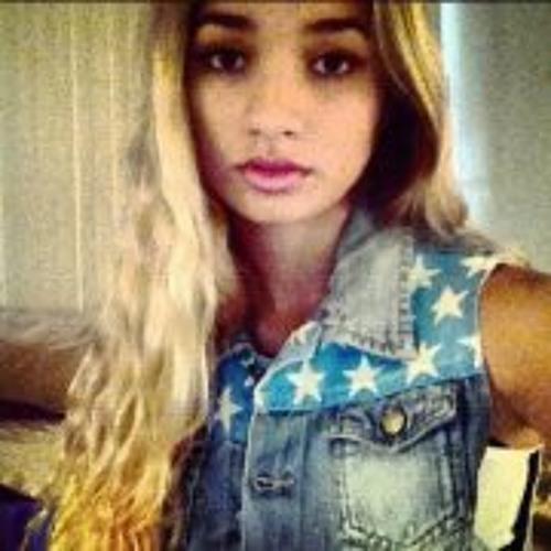 Pia Mia Perez Dancer's avatar