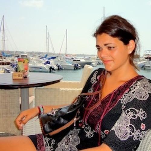 LauraChara's avatar