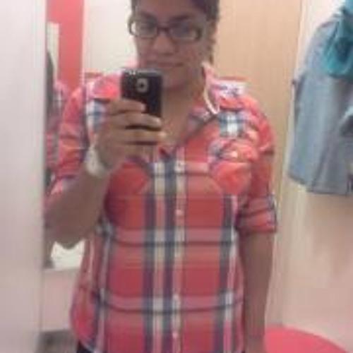 Angie Reyna's avatar