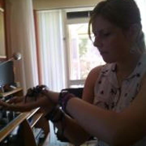 Klara Ajer's avatar