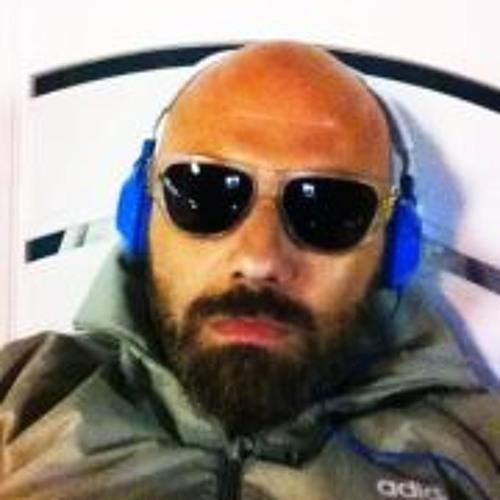 Dennis Cobo-loro's avatar