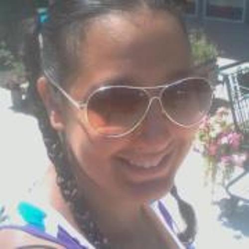 Lisa Smart's avatar