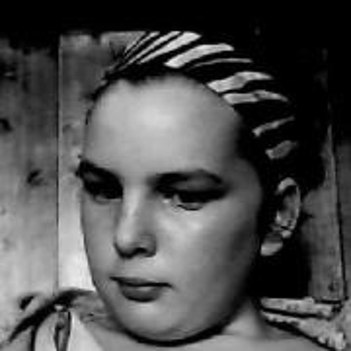 Karina Bell's avatar