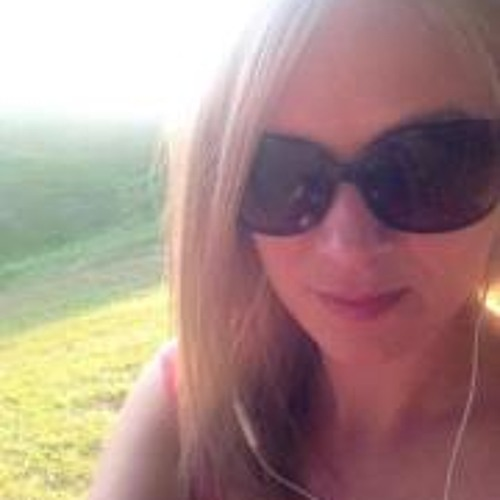 Esther Linton's avatar