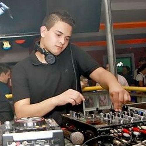 Willian Raphael's avatar
