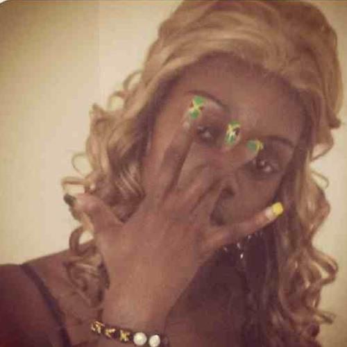 BlondeeBritish2DaWorld's avatar