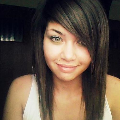 Cassie Mtl's avatar