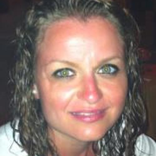 Hamida Ben Ahmed's avatar