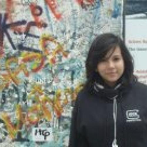 Mariana Wong's avatar