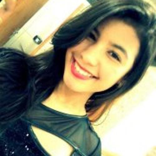 Ana Caroline 16's avatar