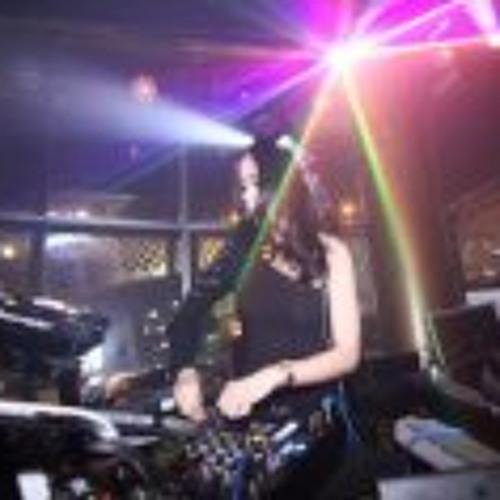 DJ ROXY-JUNE's avatar