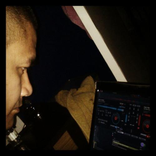 DJ Dee04's avatar