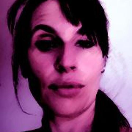 Coco Favre's avatar