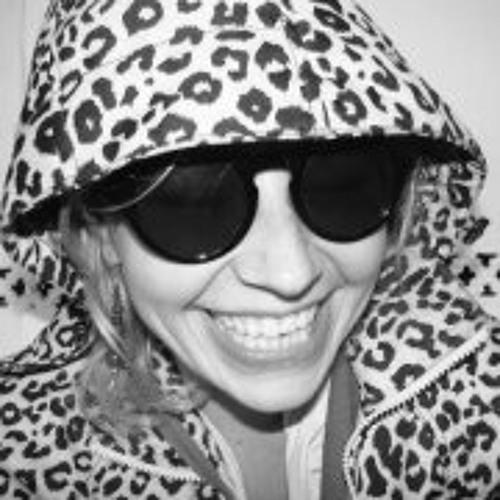 Tesia Siwek's avatar