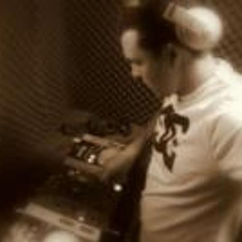 Roger Moura's avatar