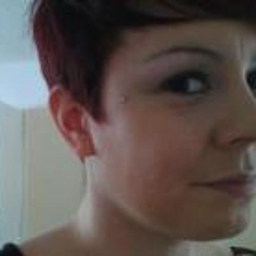 Emma Kellow's avatar