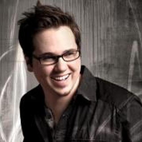Paul Pravin's avatar
