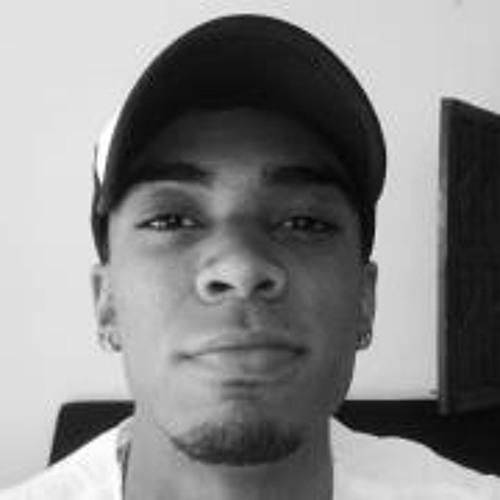 Lucas Pizzotti's avatar
