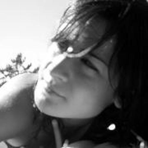 Lara Moreira's avatar