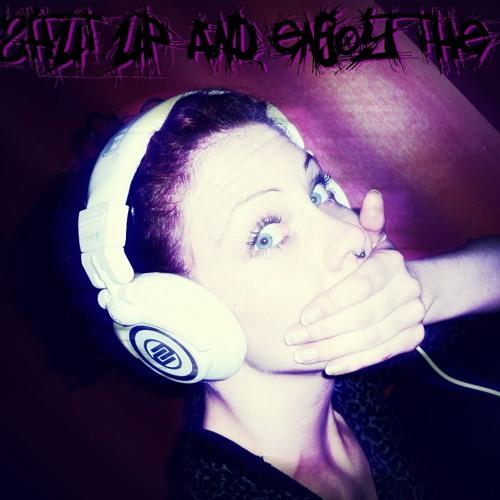 Maria Tekkhead*'s avatar