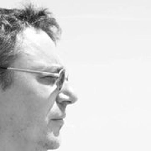 James Hautot's avatar