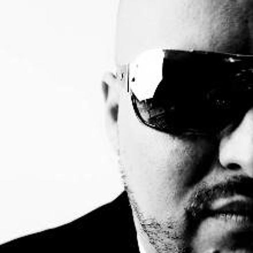 DJ DANNŸ TAPIA's avatar