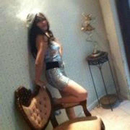 Paola Montx's avatar