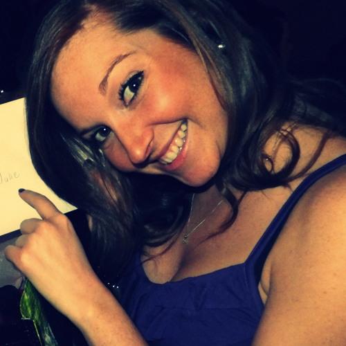 Joanie Rondeau's avatar