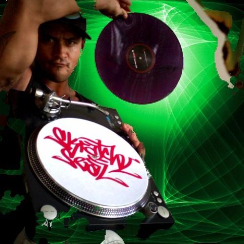 DJ PHATT LIV3's avatar