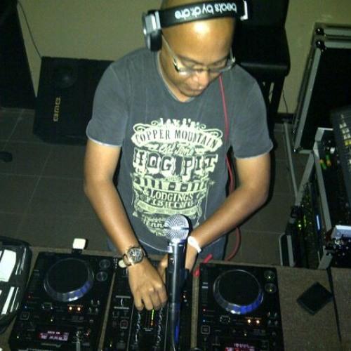 Nazief Lil Massive DJ's avatar