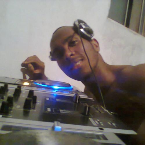 DJ_Ramon Diones's avatar