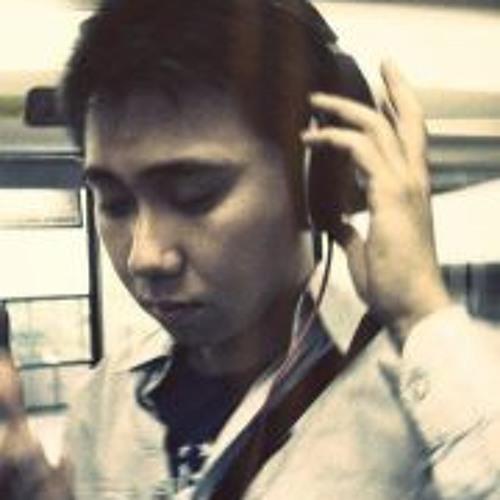 Derek Emmanuel Lee's avatar