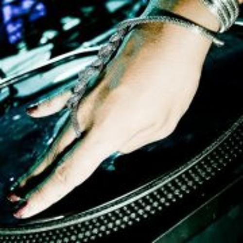 DJ CARMELA's avatar