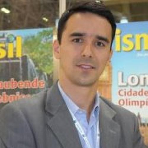 Eduardo Rector Genekian's avatar