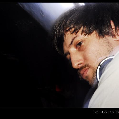 Luciano Lima's avatar