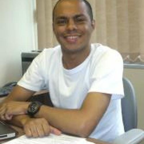 Julio Cosmo's avatar
