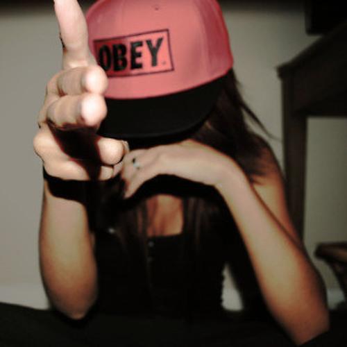 Shelly W's avatar
