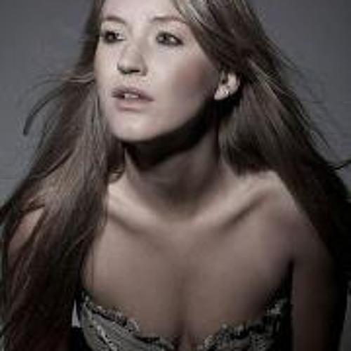 Leticia Previatti's avatar