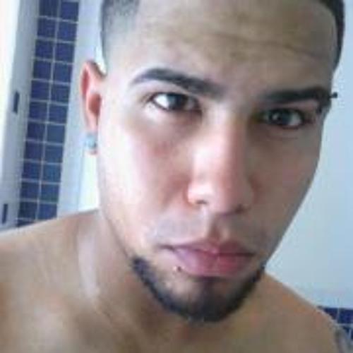 David M Nieves's avatar