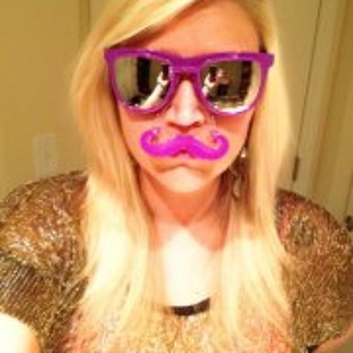April Fletcher's avatar