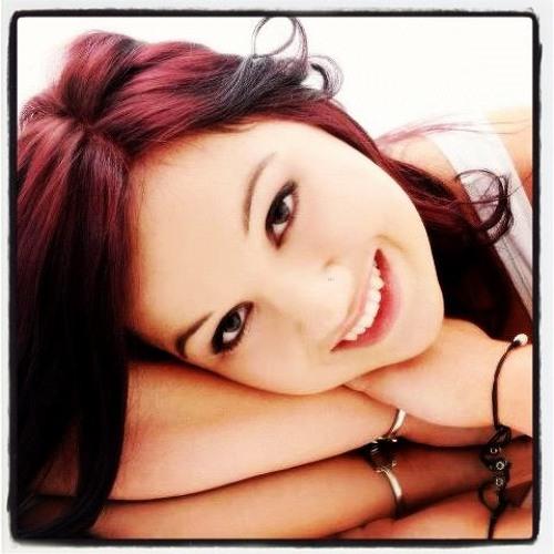 Emine Soley's avatar