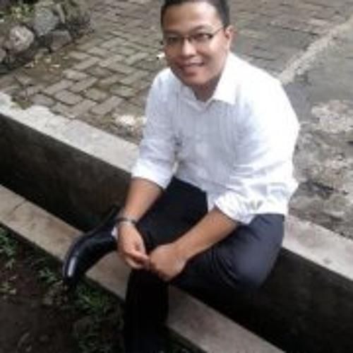 Surya Sinaga's avatar