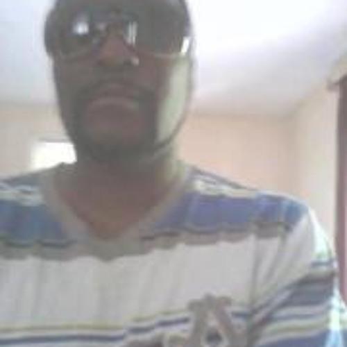 Twin Brezzy's avatar