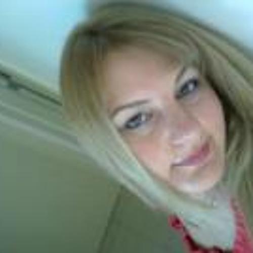 Laura Maria 10's avatar