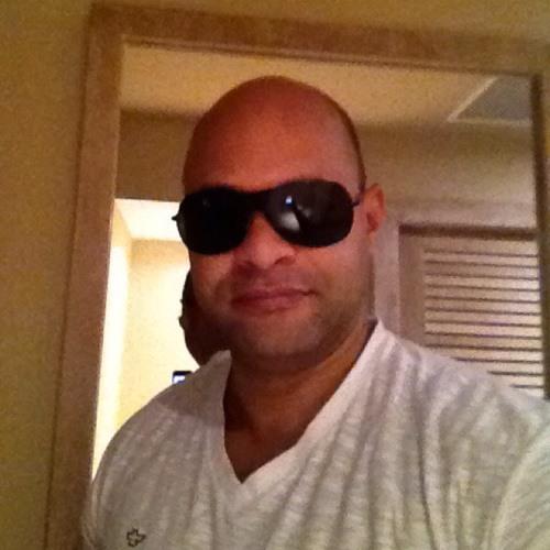 Luiz Regis's avatar