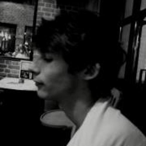 Lo Thevenieau's avatar