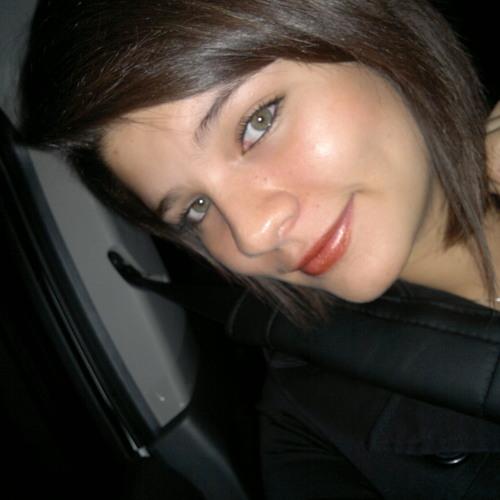 Paula Flores Sanchez's avatar